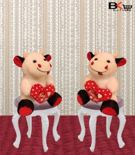 گاو عروسکی سفید قلب دار