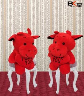 گاو عروسکی قرمز قلب دار
