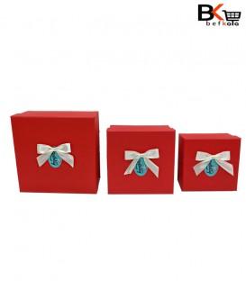 باکس کادویی مربعی پاپیون دار قرمز