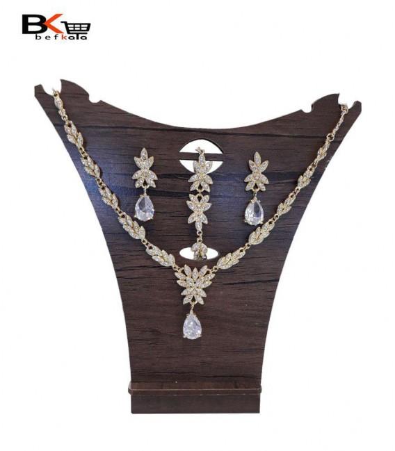 ست 3 تیکه زنانه طلایی طرح برگ ریزه و اشک الماسی
