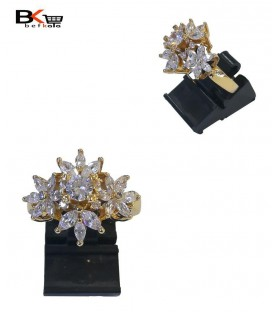 انگشتر شوپینگ زنانه طلایی نگین دار با طرح چهار گل