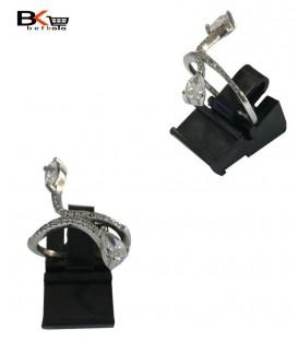 انگشتر نقره زنانه طرح دار با دو نگین درشت سفید